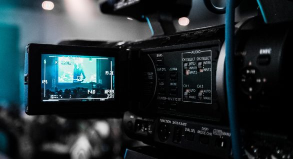 Advantages of Hiring a Creative Video Production Team for your Business